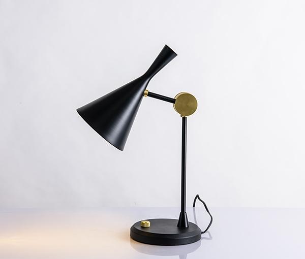 加多代XJC1071喇叭设计师简约台灯